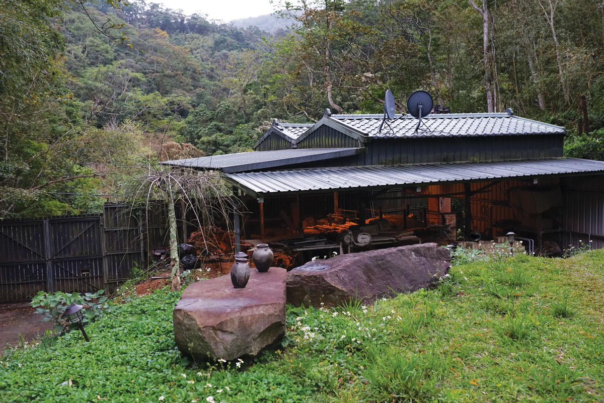 Mr. Tian's kiln, where he fired his collectible ash glaze master pieces