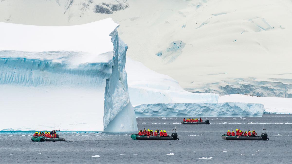 _Antarctica-CuvervilleIsland