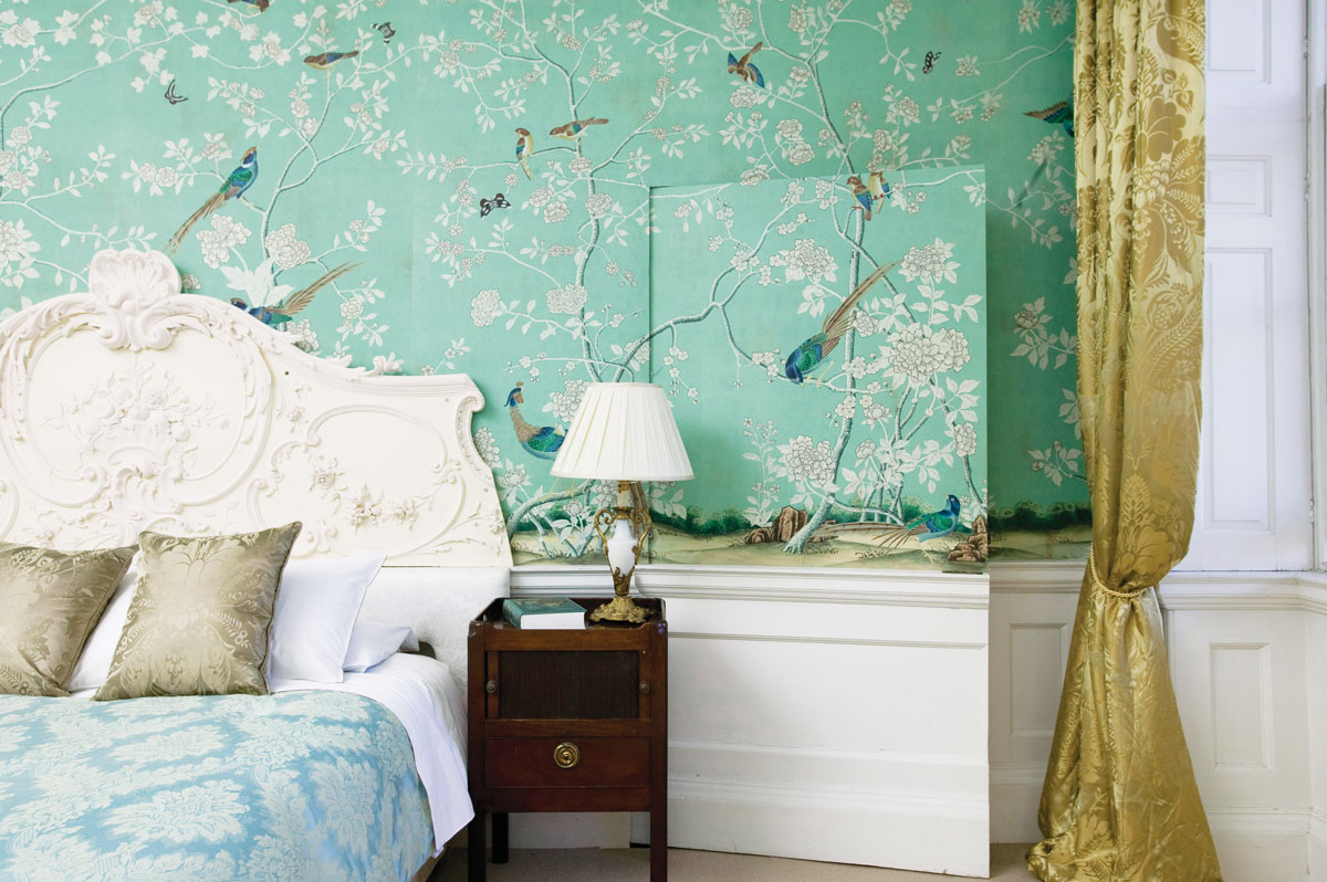 de Gournay Wallpaper with hand-painted Earlham on Sung Blue