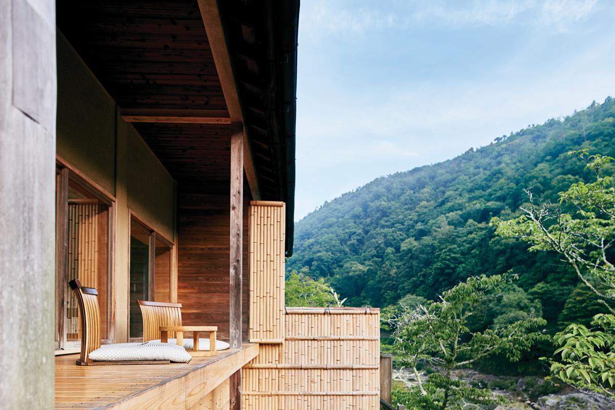 HOSHINOYA-Kyoto-Floating-Tearoom