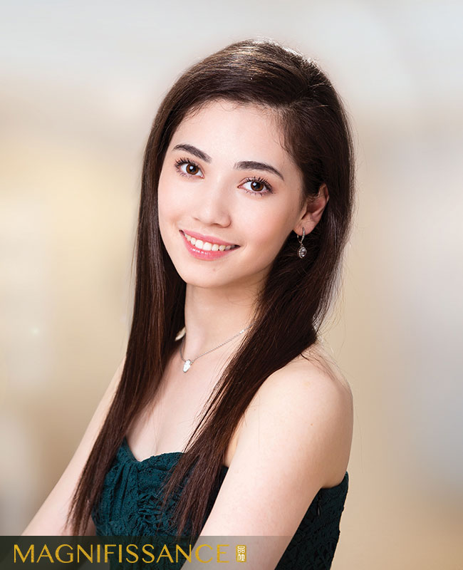 Shen Yun dancer Zhou-Galati