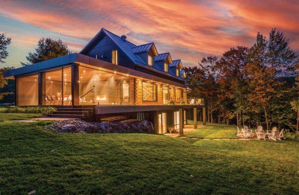 Renew cottage, located on Robinson Lake, near Huntsville, Muskoka.